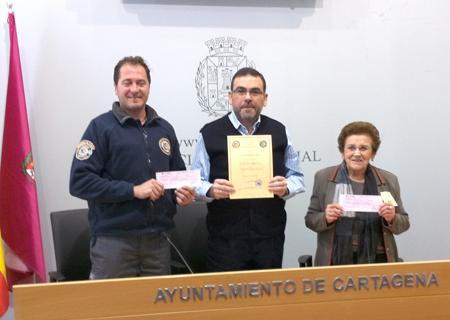El Concejal de MC José López, entrega su sueldo de diciembre y extra